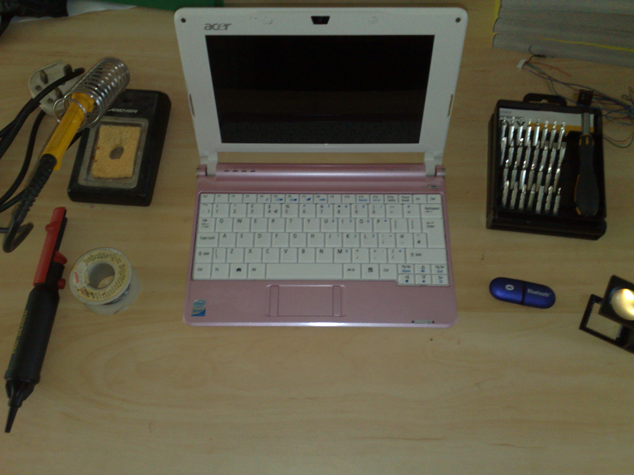 Hacking the Aspire One for 'built-in' bluetooth